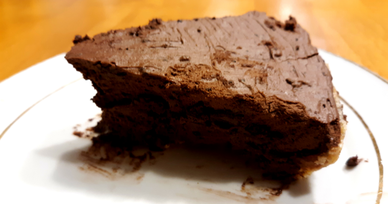 Gluten Free Keto Friendly No Bake Chocolate Cream Pie
