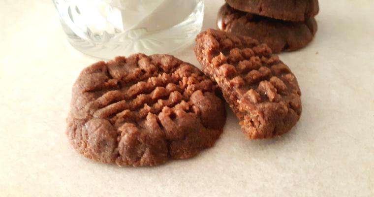 Quick 5 Ingredient Keto Peanut Butter Chocolate Cookies