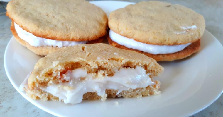 Keto Oatmeal Cream Cookies