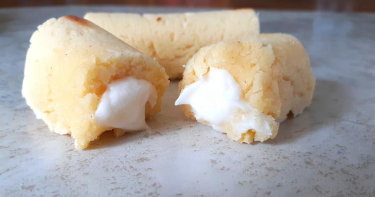 Easy Keto Twinkie Mini Cakes