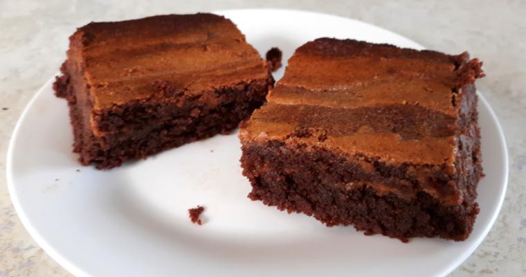 The Easiest Keto Swirl Brownies